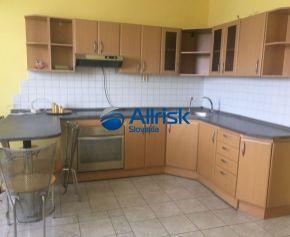 Znížená cena ! Dva spojené byty 86m2 + 20m2, 2x kuchyňa, 2x kúpeľňa, balkón, šatník