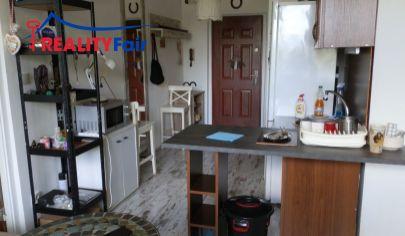REZERVOVANÝ - PREDAJ - 1 izbový byt s 2 loggiami - ul. THK  Banská Bystrica