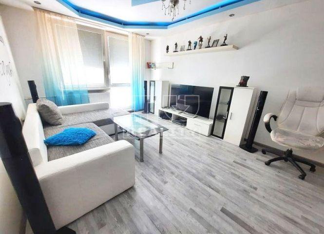 3 izbový byt - Senica - Fotografia 1