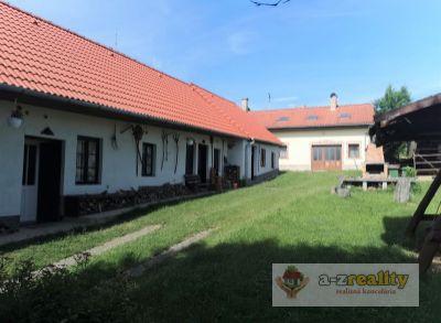 3099 Na predaj ranč s ubytovacími možnosťami v obci Čechy