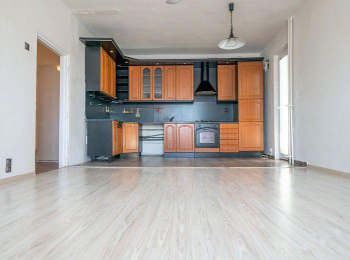 GEN. L. SVOBODU, 3-i byt, 79 m2 – VLASTNÉ PARKOVANIE, lodžia cez celý byt, 3 ZASTÁVKY most SNP
