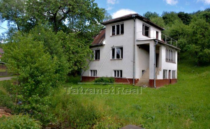 Rodinný dom 5 + 1 v obci Pčoliné na predaj