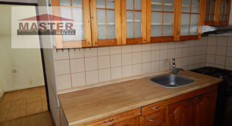 MASTER REAL- Na Predaj 3-izbový byt 66 m2 s balkónom, Prievidza