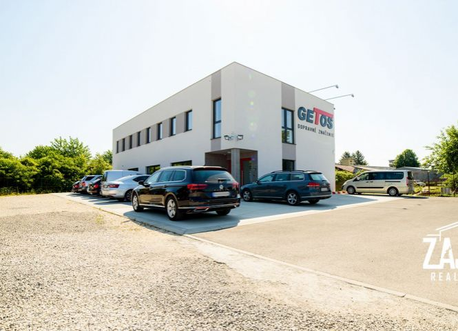 administratívna budova - Trenčín - Fotografia 1