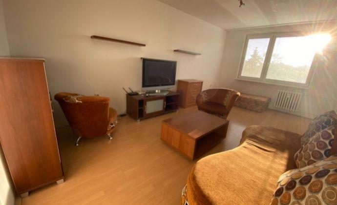 Veľký 2 izbový byt na predaj v skvelej lokalite Sereď