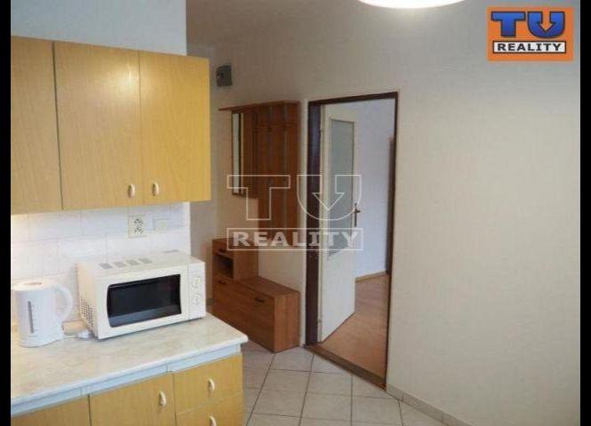 1 izbový byt - Nová Dubnica - Fotografia 1