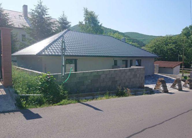 Rodinný dom - Trnavá Hora - Fotografia 1
