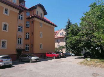 BA I. Staré mesto - 2 izbový veľký tichý byt s parkovaním