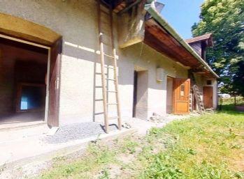 Ponúkame na predaj rodinný  dom v obci Pliešovce.