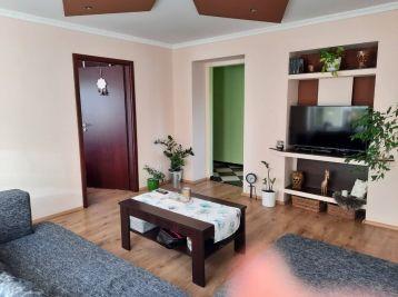 Predaj zrekonštruovaného, čiastočne zariadeného 2 izb. bytu s vlastným kúrením, 66 m2 + pivnica 9m2, tehla, Bratislavská cesta