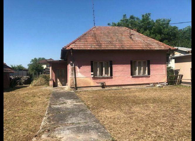Rodinný dom - Branč - Fotografia 1