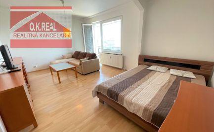 Ponúkame do prenájmu priestranný 1-izbový byt na Haburskej ulici v Ružinove, BA II., 450,-Eur aj s energiami