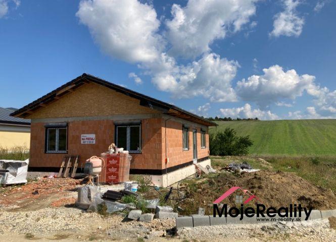 Rodinný dom - Trenčianske Mitice - Fotografia 1