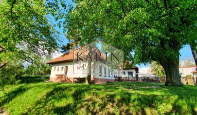 Rozsiahly pozemok pre rodinný dom v tichej lokalite U Vankov