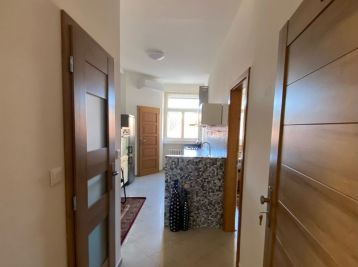 PROMINENT REAL prenajme 1,5 izbový byt v Starom Meste na Gorkého ulici.