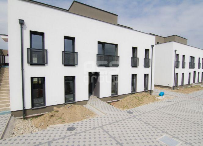2 izbový byt - Stupava - Fotografia 1
