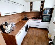 PREDAJ: 3i kompletne zrekonštruovaný byt so ZARIADENÍM v TOP lokalite