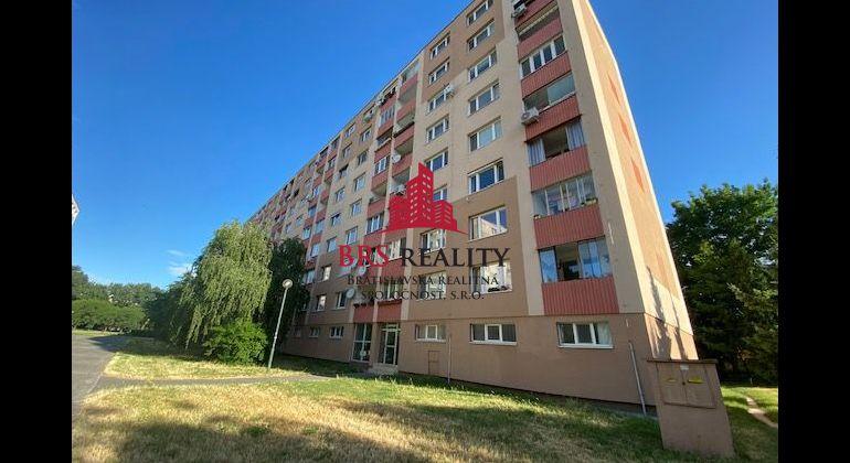 3 izb. byt v peknej a tichej lokalite