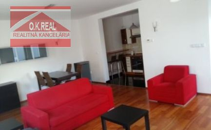 Ponúkame na prenájom 2 izbový moderný byt sparkovacím státímvnovostavbe na Dunajskej ulici v centre mesta