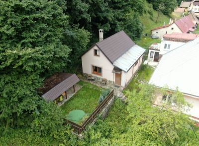 Exkluzívne. Krásny dom/romantická rekreačná chatka v krásnom prostredí Nízkych Tatier