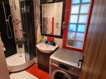 Ponúkam Vám na predaj 2 izbový byt v meste Brezne