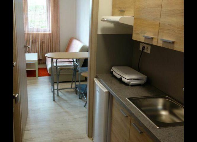 1 izbový byt - Banská Bystrica - Fotografia 1