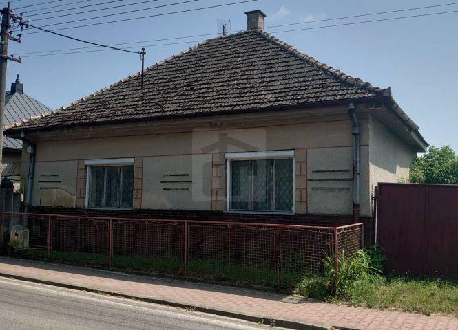 pre rodinné domy - Nová Ves nad Váhom - Fotografia 1