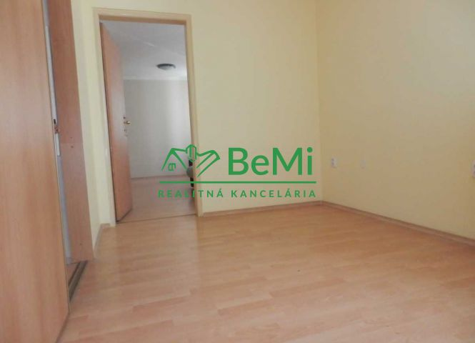 administratívna budova - Banská Bystrica - Fotografia 1