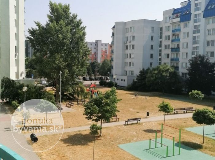 REZERVOVANÉ - DVOJKRÍŽNA, 2-i byt, 55 m2, REKONŠTRUKCIA bytu a domu, LOGGIA, ihneď voľný