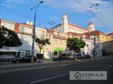 Predaj luxusného bytu na hradnom kopci-Zámocká ulica-186m2 + garáž