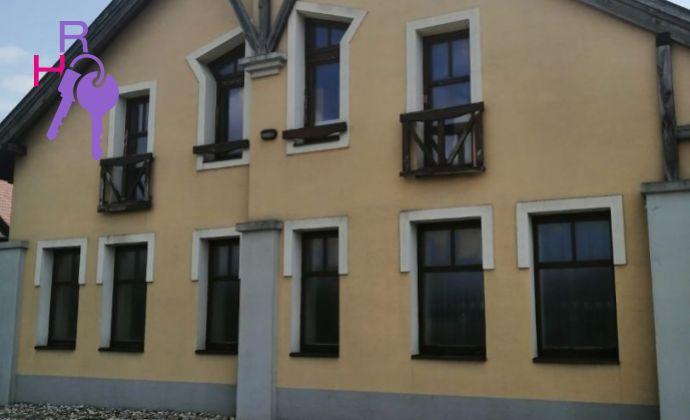 Ponúkame na predaj rodinný dom v obci Hrubý Šúr