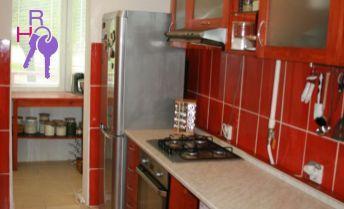 Ponúkame Vám na predaj 4 izbový byt Bratislava-Nové Mesto,  Československých parašutistov.