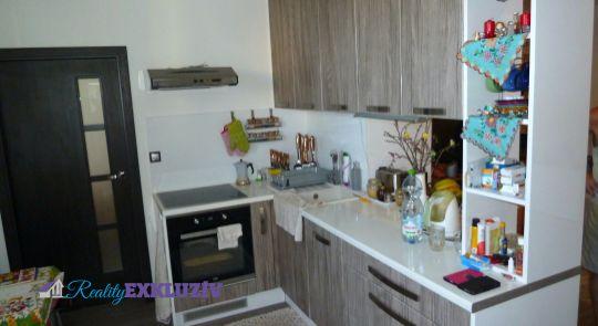 Na predaj 3 izbový byt v meste Lučenec, s balkónom - kompletná rekonštrukcia...