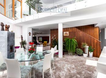PROMINENT REAL predá 7 izb. luxusnú vilu pre náročných vo Vysokých Tatrách.