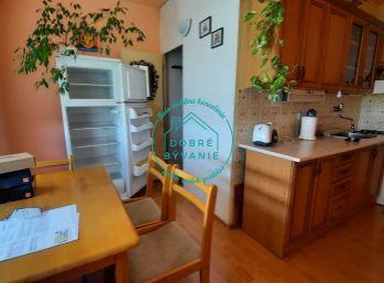Ponúkam na predaj 2 izbový byt s balkónom v blízkosti centra