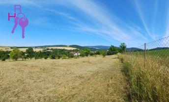 Pozemok s nádherným výhľadom na široké okolie, 6022m2