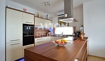 Na predaj novostavba krásneho a priestranného 3 izbového bytu (76 m2) s veľkou loggiou (7m2)
