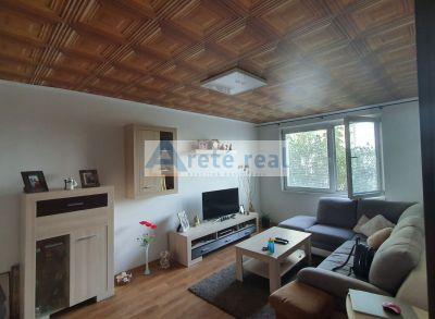 Areté real- ZNÍŽená Cena_-_predaj 3- izbové bytu so zaskl. balkónom na Svätoplukovej ulici, Pezinok
