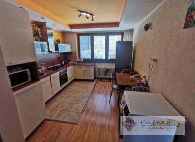 3103 Na predaj 3 izbový byt v 4-bytovke Veľké Lovce