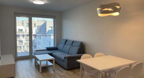 Len u nás v ponuke: Prenájom 2 izbového bytu v novostavbe so státím na Jarabinkovej ulici v širšom centre