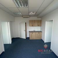 Kancelárie, Bratislava-Ružinov, 54.45 m², Kompletná rekonštrukcia