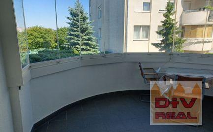 4 izbový byt, Drotárska ulica, Bratislava I, Staré Mesto, parkovacie státie pre jedno auto, zasklená loggia, na predaj