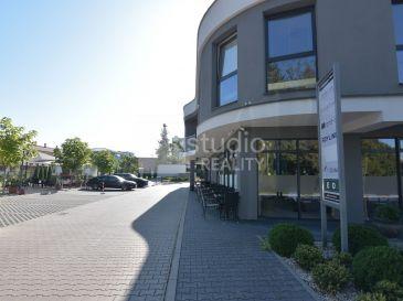 Dve samostatné kancelárie spolu o výmere 43m2 v polyfunkčnej budove v ŠALI - novostavba