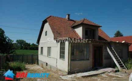 PREDANÉ!!! KLÁTOVA NOVÁ VES - SÁDOK - Rodinný dom / započatá rekonštrukcia / pozemok 2.174 m2