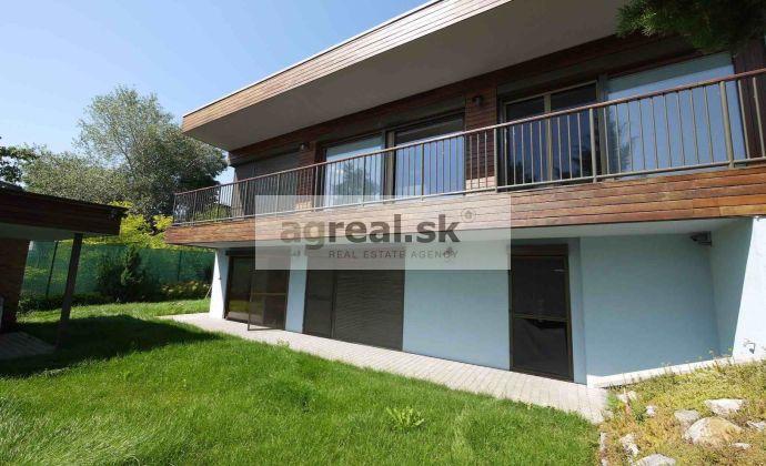 4-izbová nadštandardná murovaná chata pri jazere - Senecké jazerá - Sever, 1. rad, vlastná pláž