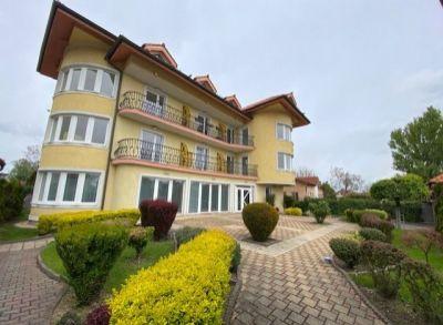 Areté real, Predaj pekného, priestranného 2-izbového bytu s balkónom v nadštandardnom bytovom dome, BA-Vrakuňa, Leknová ul.