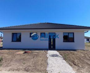 REZERVOVANÝ 5-izbový priestranný rodinný dom Galanta-Richtárske pole