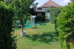 Pekný 3 ízbový rodinný dom s veľkým pozemkom a s garážou v prekrásnom prírodnom prostredí len na skok od mesta Dunajská  Streda