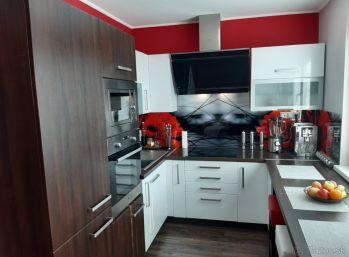 Vajanského - 3-izbový byt. KOMPLETNÁ rekonštrukcia s bytovým zariadením  V CENE