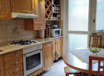 Príjemný 3-izbový byt s loggiou v peknej lokalite na Rajeckej ulici